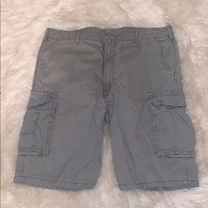 Men's gray Levi's cargo shorts 42